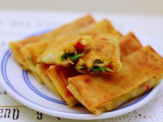 土豆丝红椒煎春卷,外皮香酥,馅鲜味十足,好吃到爆。