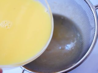 肉末水蒸蛋,过筛两次