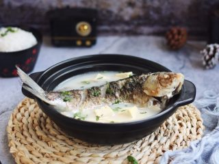 鲫鱼炖豆腐,成品图。