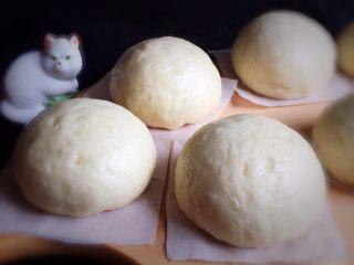 豆沙馒头,白白胖胖的馒头就做好了。