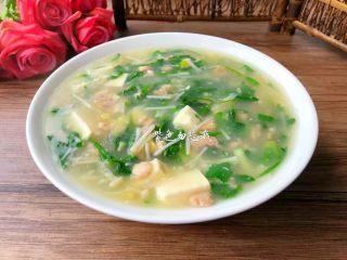 荠菜杂烩汤,成品图二