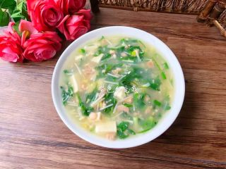 荠菜杂烩汤,成品图三