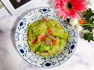 小米椒菜头炒肉片,清爽好吃