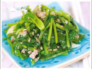 春天新吃法,不一样的味道-肉末菠菜的,一道家常菜就做好了。