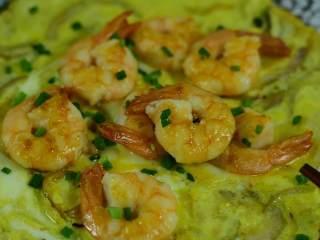 颜色漂亮、造型喜庆,制作又简单的一道家常菜,一款非常喜庆、颜色漂亮、操作又十分简单的菜肴出炉啦!