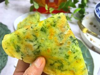荠菜早餐饼,吃起来有着淡淡的荠菜的清香,鲜美营养的早餐煎饼。