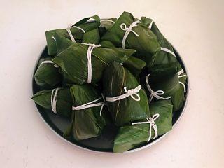 蜜豆糯米粽子,逐一打理好的粽子