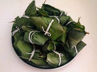 蜜豆糯米粽子,逐一包好的粽子