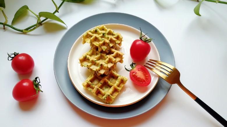 华夫鸡蛋饼,搭配水果牛奶都可以。