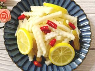 柠檬泡椒萝卜条,成品图