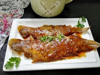 红烧舌鳎鱼,拍上成品图,一盘美味又有营养的红烧舌鳎鱼就完成了。