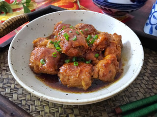 豆腐衣肉卷,出锅前撒上葱花,咸鲜入味,肉嫩皮Q,营养丰富的豆腐衣肉卷。