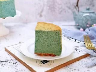 6寸蝶豆花戚风蛋糕,切开了呦~颜色是不是特别美?