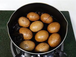 红糖茶叶蛋,茶叶蛋浸泡过夜入味。