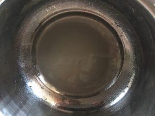 二月二棋子豆,将白糖放入温水中搅拌融化