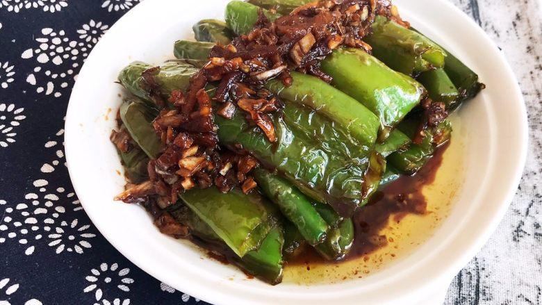 超级下饭菜  油焖尖椒,油焖尖椒香辣适宜,和米饭是绝配,超级完美的下饭菜~