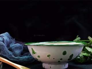 豆腐丝鸡蛋汤,一碗拌喝下去,暖心又暖胃