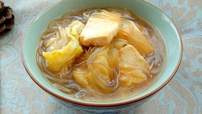 白菜炖豆腐粉条,美味的白菜炖豆腐粉条就做好了