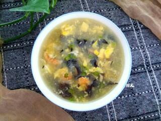 木耳蒜苔鸡蛋汤,成品图