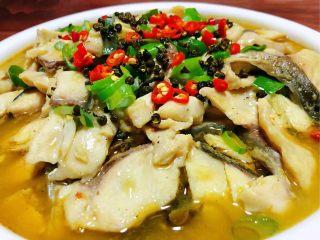 酸菜鱼片汤,酸菜鱼是正宗的米饭杀手哦