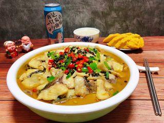 酸菜鱼片汤,酸菜鱼片汤是宴客必备的拿手大菜哦