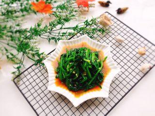 凉拌菠菜,成品图
