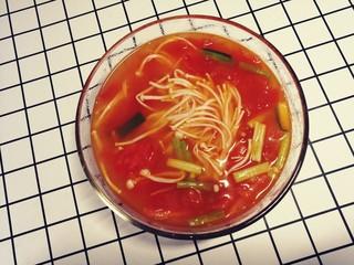 西红柿炖金针菇