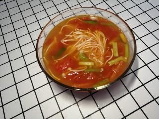 西红柿炖金针菇,出锅