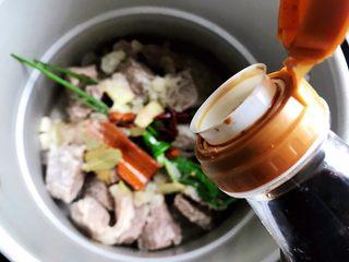 西红柿土豆炖牛腩(高压锅版),加适量生抽