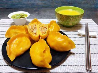 玉米面酸菜蒸包,东北酸菜是家家户户冬天必不可少的美味