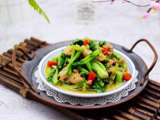 蒜香花肉小苔菜,每次做好上桌后,瞬间就被秒光。