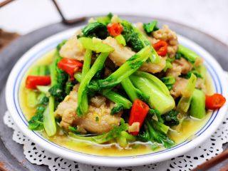 蒜香花肉小苔菜,啦啦啦,好吃又营养丰富的蒜香花肉小苔菜出锅咯。