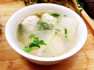 点翠清汤白玉丸➕木耳冬瓜丸子汤,汤鲜味美丸子嫩,喜欢的厨友们,快来一起尝尝吧😛