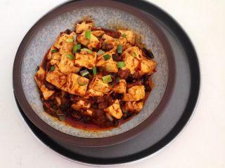 最正宗的麻婆豆腐,麻婆豆腐香辣适宜,这是一道非常完美的下饭菜~
