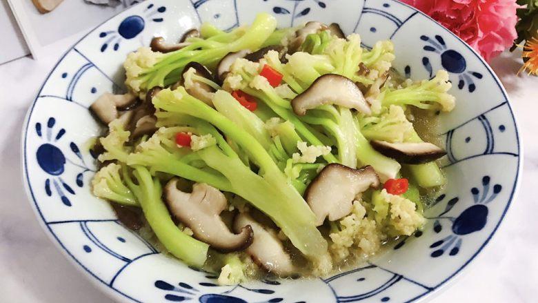 小米椒鲜香菇炒菜花