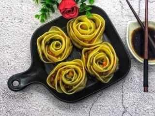 玫瑰花🌹饺子,沾点醋和辣椒,又好看又好吃。