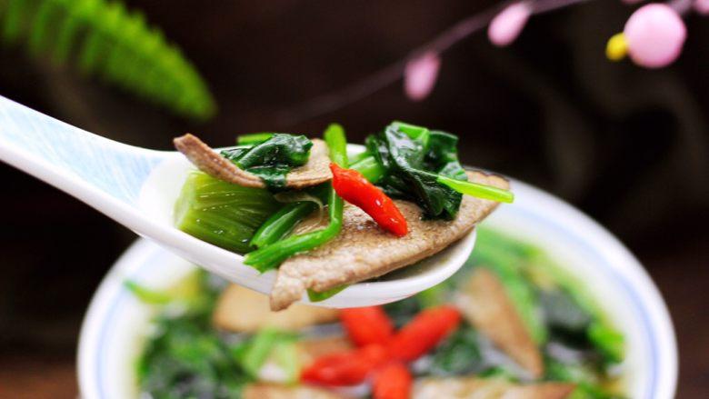 菠菜猪肝汤,吃上一碗爽歪歪。