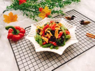 四季豆烧腐竹+春天的味道,成品图