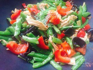 四季豆烧腐竹+春天的味道,加适量蔬之鲜