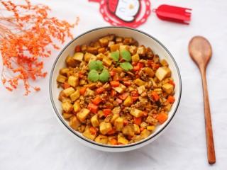 米饭杀手肉末炒杏鲍菇,翻炒均匀即可出锅。