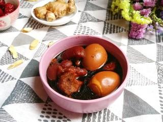 猪脚姜醋,这道菜很合适女性食用,补血养颜,经期也可以食用,去除寒气