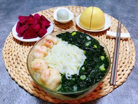 虾滑海菜面