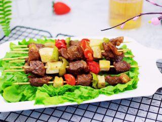 时蔬美味牛肉串,健康营养又美味。
