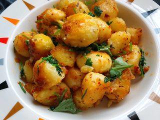 香煎小土豆,香喷喷的小土豆就做好啦