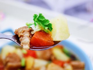 番茄牛肉炖土豆,吃上一口超级满足。