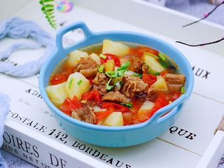番茄牛肉炖土豆