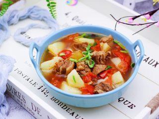 番茄牛肉炖土豆,老公多吃了两碗米饭。