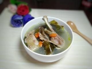 海带鸭子汤,成品图