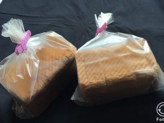 奶酪双吐司,吐司面包要这样保存才能保证柔软。