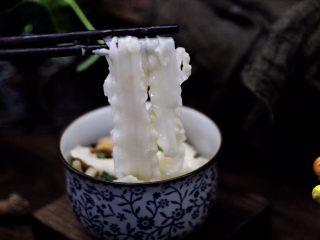 时蔬海虾刀削面,老公连吃两碗都不吃够。
